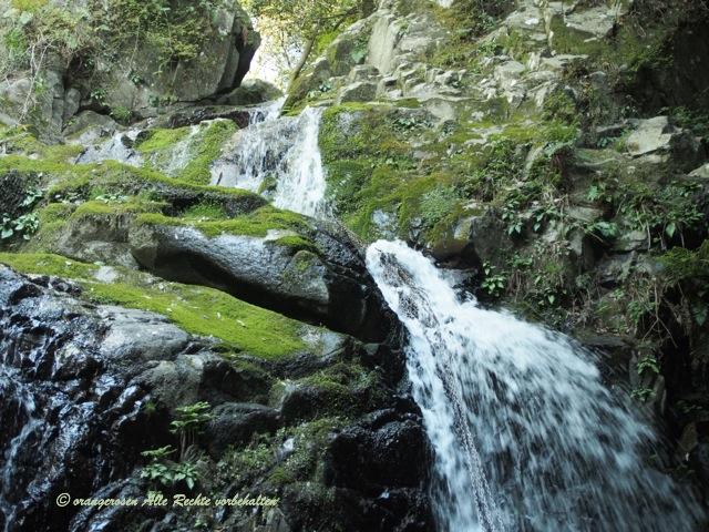 滝のある風景2.jpg