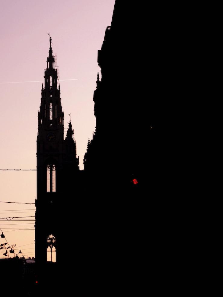 Rathaus beim Abendrot.jpg