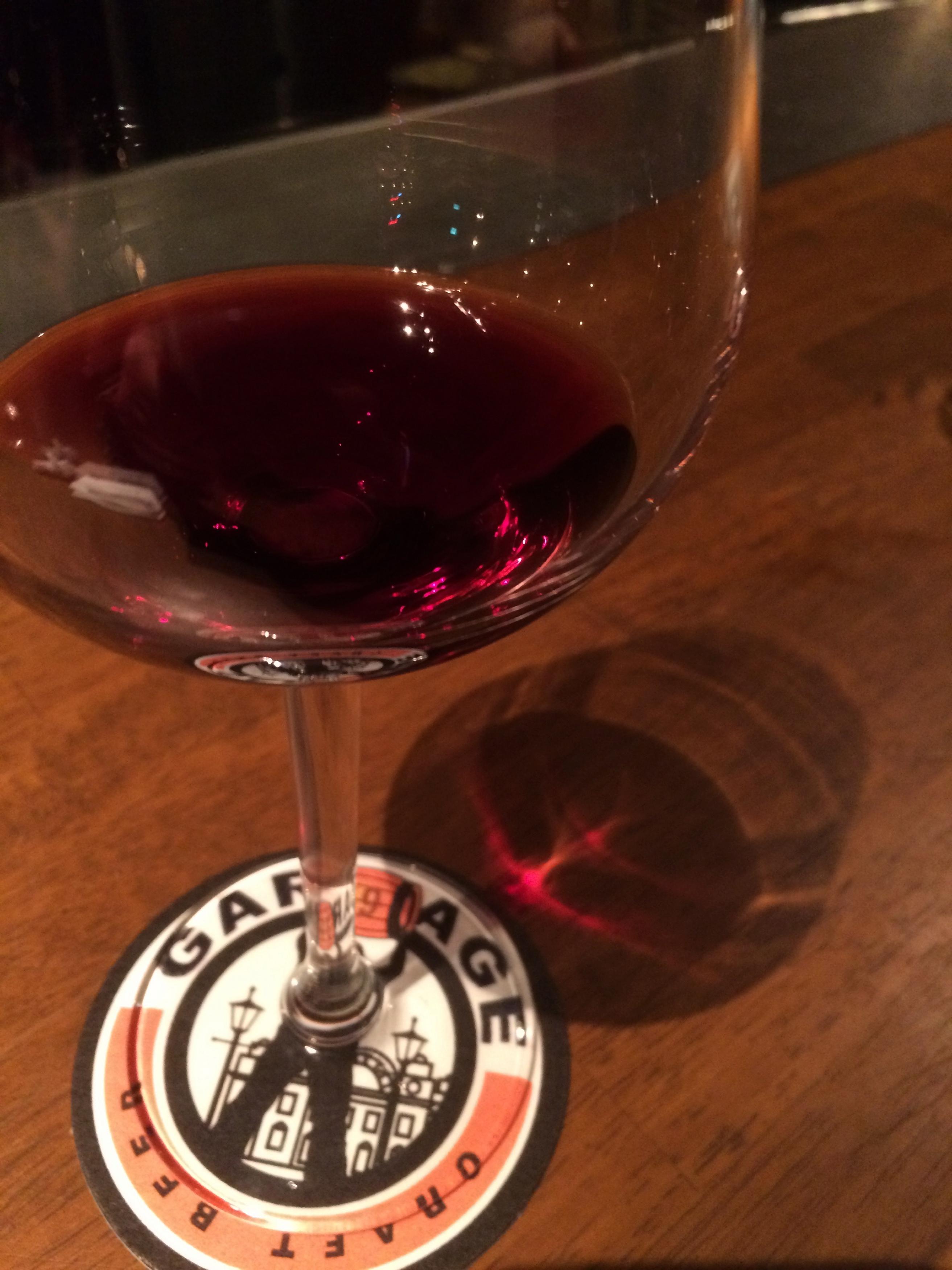 einen Rotwein.jpg